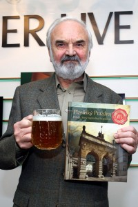Zdeněk Svěrák se ujak křtu knihy