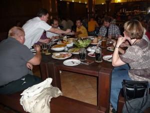 """""""stůl štamgastů"""" v Jihoměstském pivovaru"""
