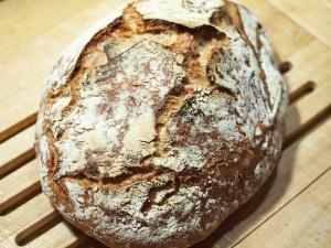 Čestvý chléb jako příloha k pivnímu guláši je ideální!