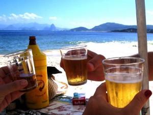 Pozvání na pivo na letní dovolené - zdroj:flickr.com